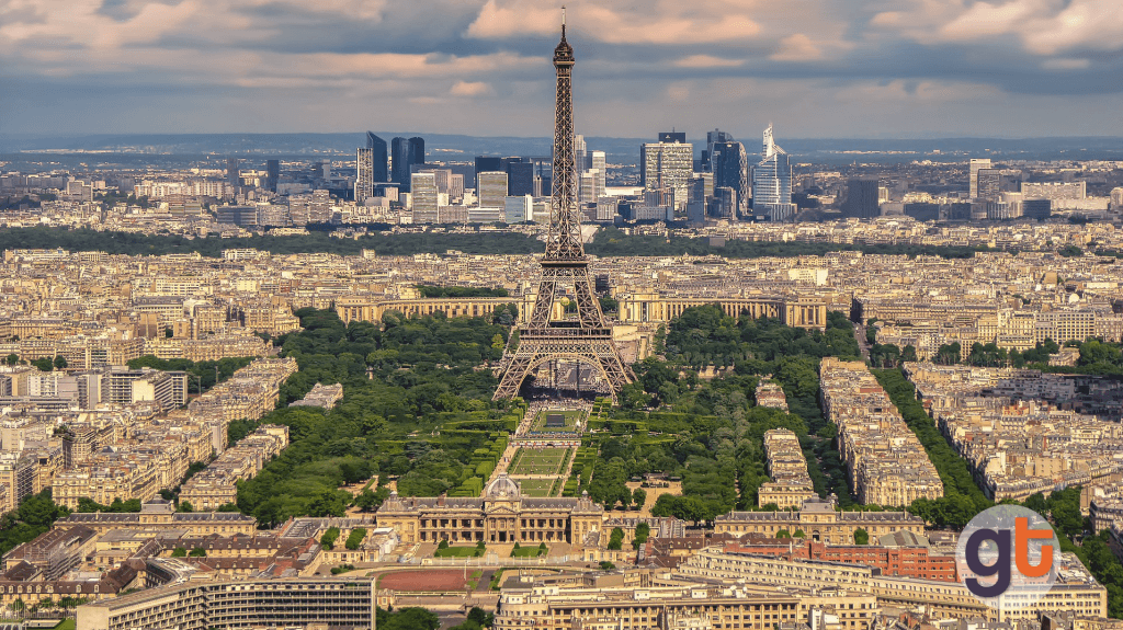 Как добраться из аэропорта Шарль-де-Голль в Париж на поезде?